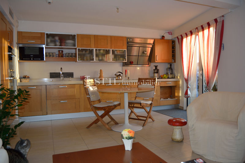 Photo Apartment Sainte-Maxime Centre-ville,   to buy apartment  2 rooms   55 m²