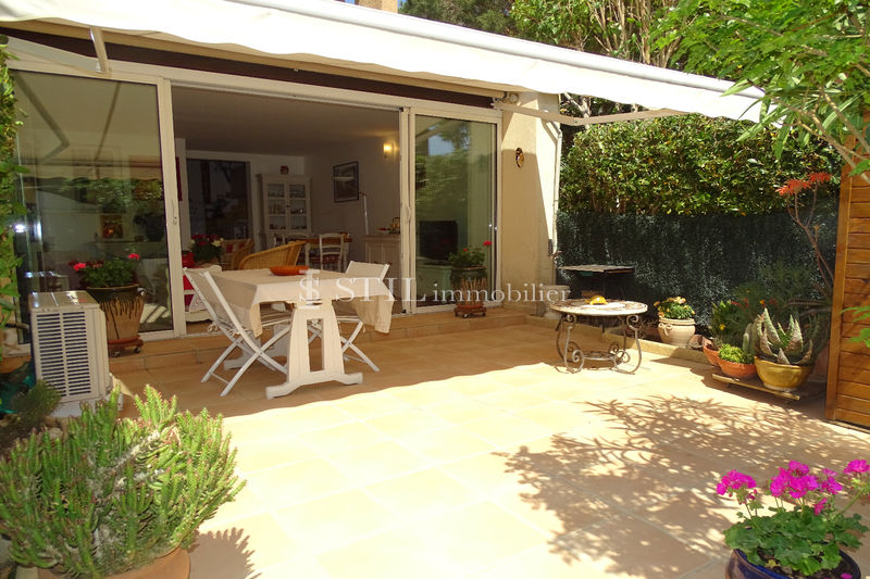Photo Apartment Sainte-Maxime Proche centre-ville,   to buy apartment  2 rooms   40 m²