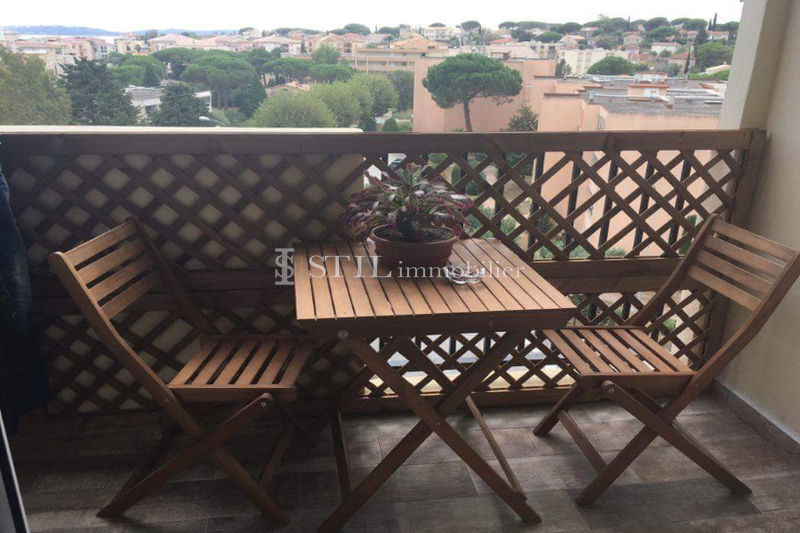 Photo Appartement Sainte-Maxime   achat appartement  3 pièces   63 m²