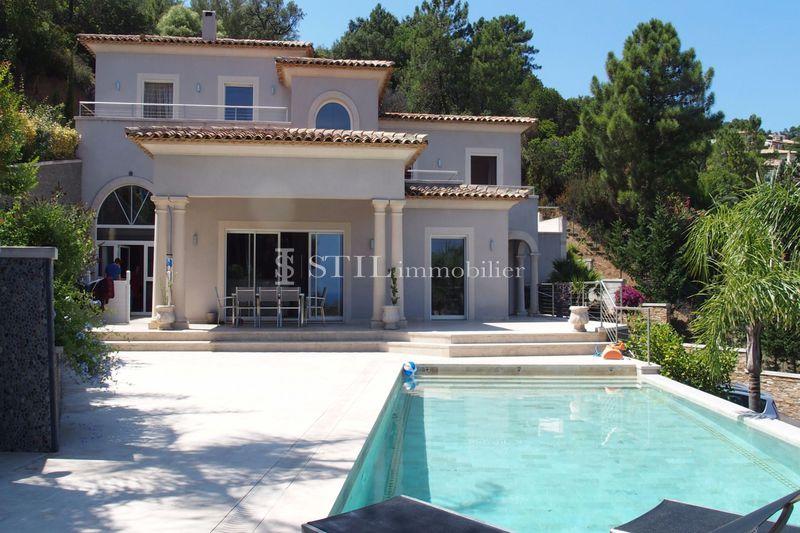 Photo Villa Les Issambres Proche plages,   achat villa  5 chambres   280m²