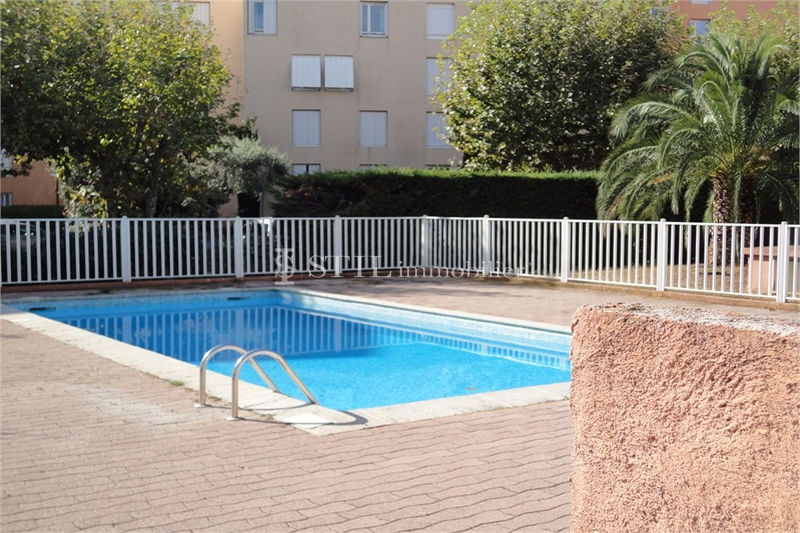 Photo Appartement Sainte-Maxime   achat appartement  2 pièces   25 m²