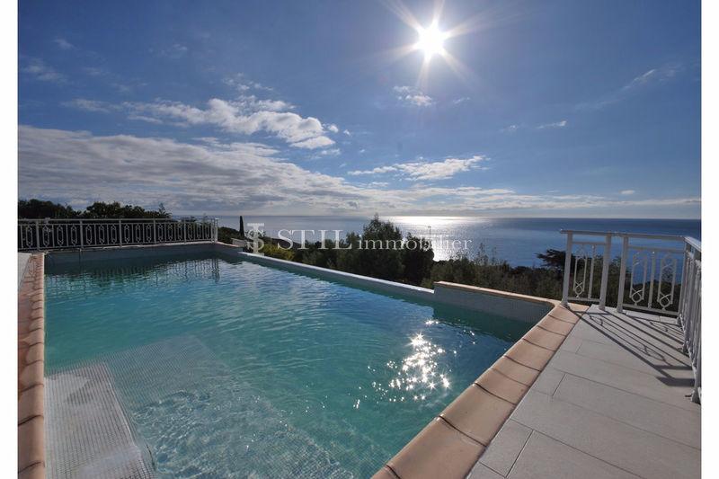 Photo Villa Les Issambres Proche plages,   achat villa  5 chambres   330m²