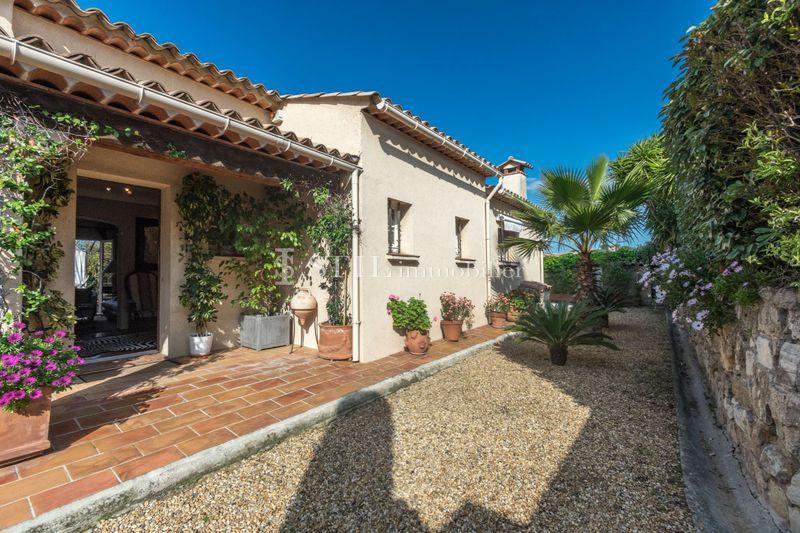 Photo Villa Sainte-Maxime Centre-ville,   to buy villa  3 bedrooms   137m²