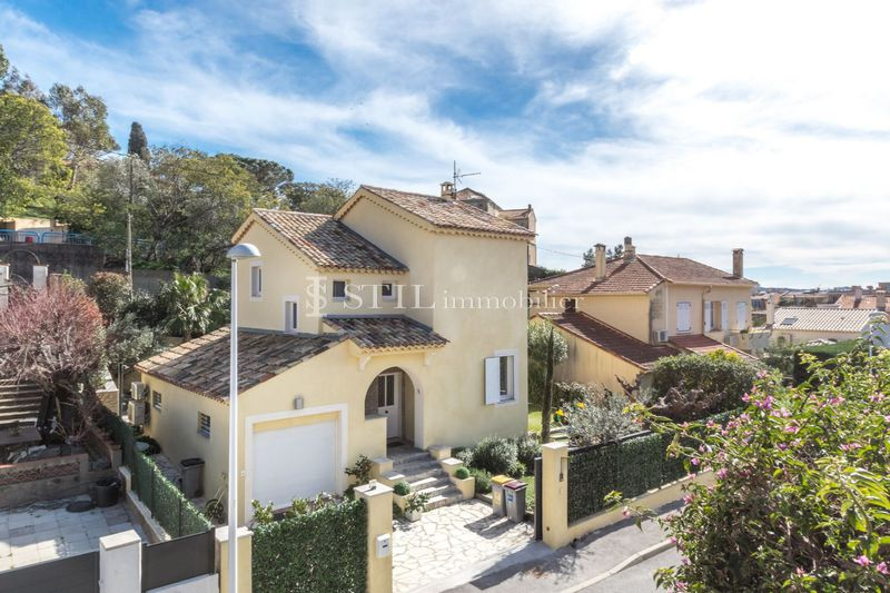 Photo n°1 - Vente Maison villa Sainte-Maxime 83120 - 695 000 €