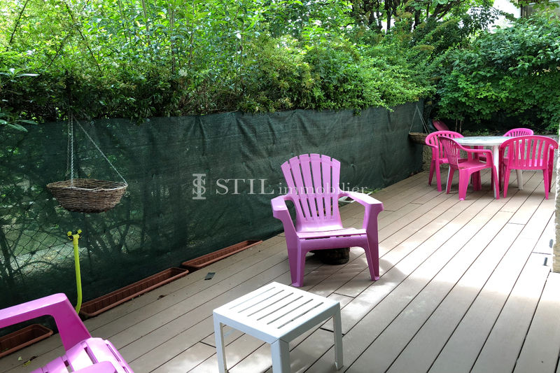 Photo Apartment Sainte-Maxime Proche centre-ville,   to buy apartment  2 rooms   52 m²
