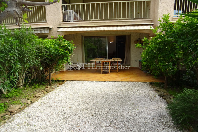 Photo Appartement Sainte-Maxime   achat appartement  2 pièces   37 m²