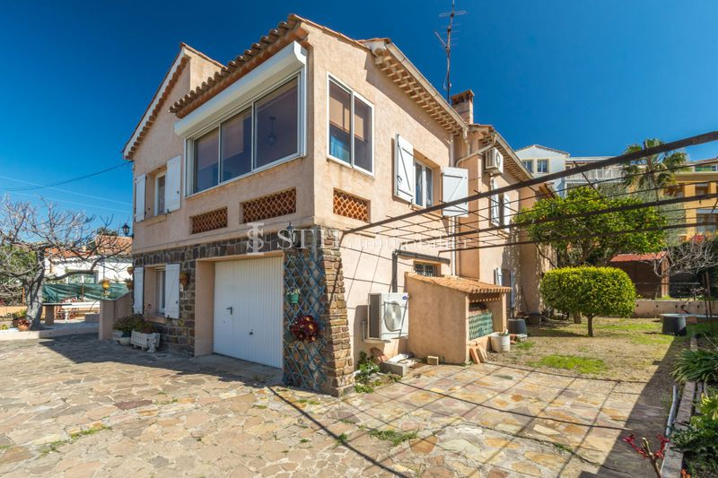 Photo Villa Sainte-Maxime Centre-ville,   to buy villa  4 bedrooms   120 m²