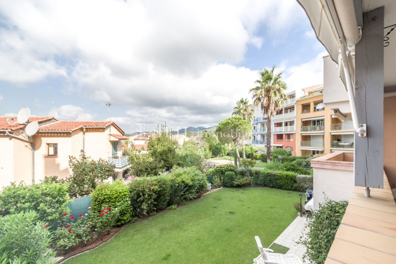 Vente appartement Sainte-Maxime  Apartment Sainte-Maxime   to buy apartment  3 rooms   70 m²