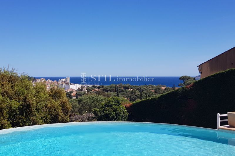 Photo Villa Sainte-Maxime   to buy villa  4 bedrooms   150 m²