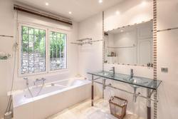 Vente villa Sainte-Maxime Salle de bain 1