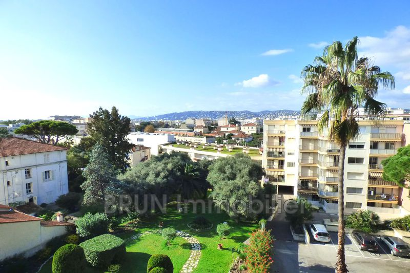 Photo Apartment Juan-les-Pins Centre et plages juan les pins,   to buy apartment  2 rooms   50 m²