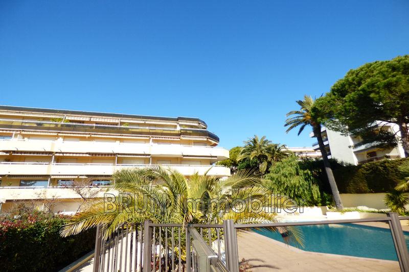 Photo Apartment Juan-les-Pins Plages,   to buy apartment  3 rooms   64m²