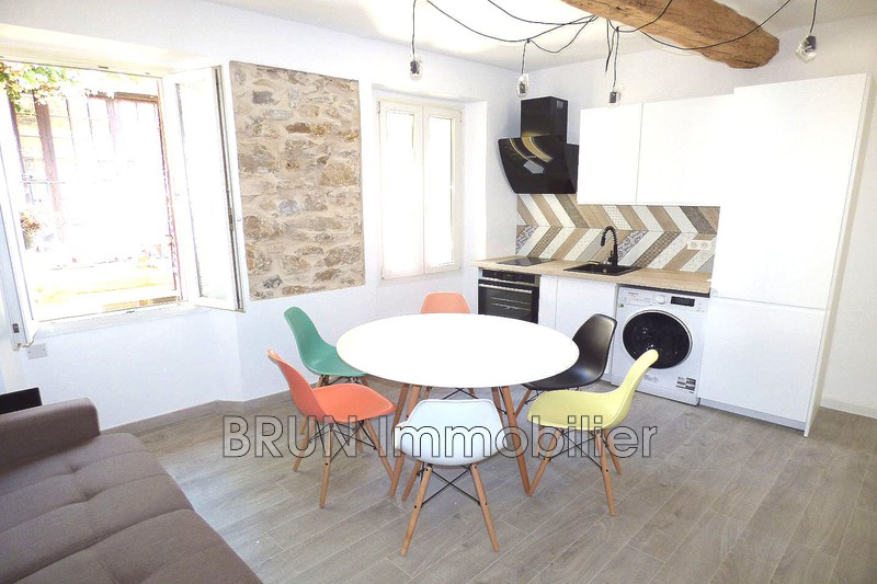 appartement  3 pièces  Antibes Vieil antibes  40 m² -