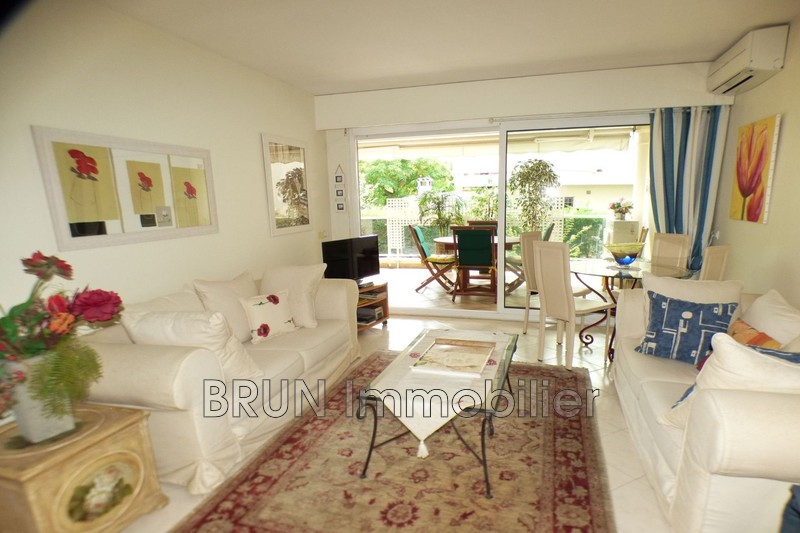 Photo Appartement Antibes Ilette,   achat appartement  2 pièces   49 m²