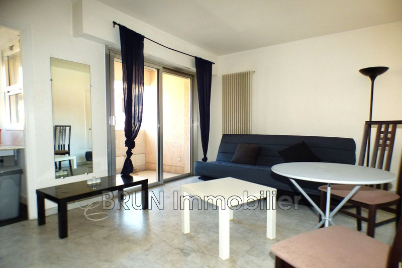appartement  studio  Golfe-Juan Centre  23 m² -