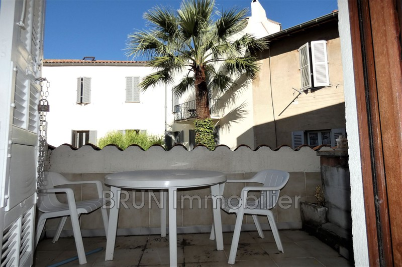 appartement  2 rooms  Antibes Old antibes  22 m² -
