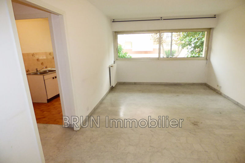 Photo n°3 - Vente appartement Juan-les-Pins 06160 - 165 000 €