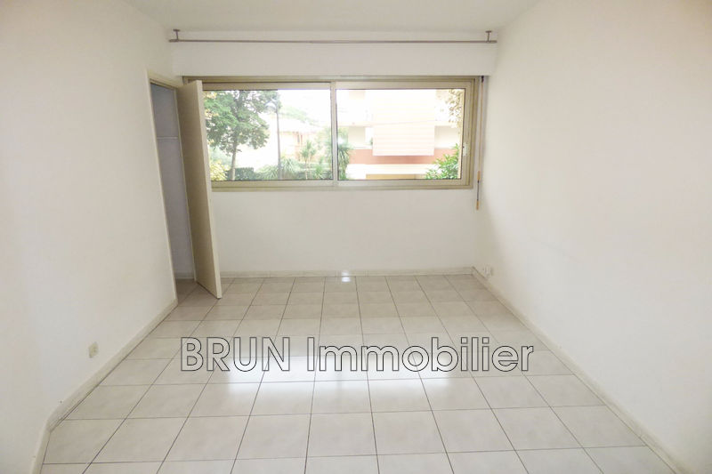 Photo n°5 - Vente appartement Juan-les-Pins 06160 - 165 000 €