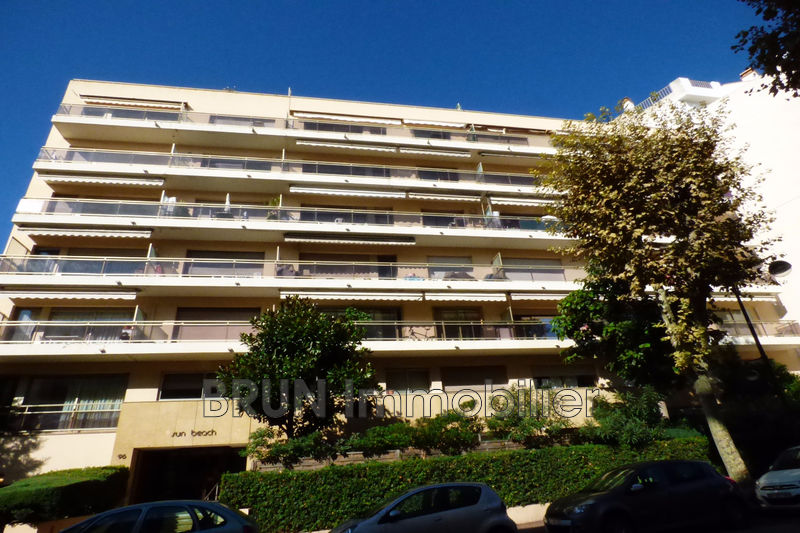 Photo n°1 - Vente appartement Juan-les-Pins 06160 - 165 000 €