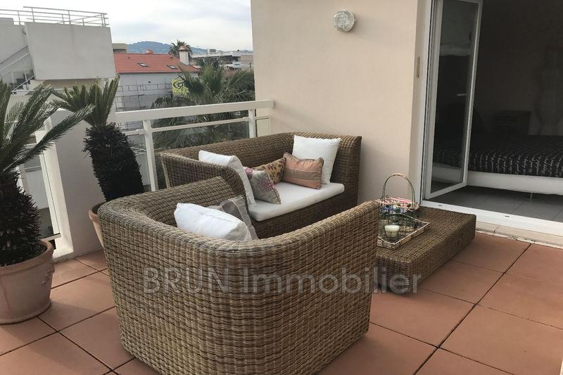 Appartement Juan-les-Pins Bijou plage,   achat appartement  3 pièces   71m²