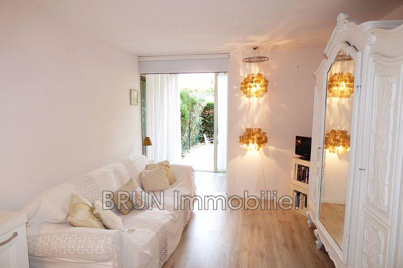 Photo n°4 - Vente appartement Golfe-Juan 06220 - 156 000 €