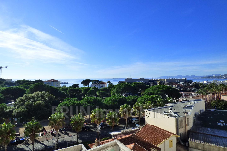 Apartment JuanlesPins Centre to buy apartment 3 rooms 83 m
