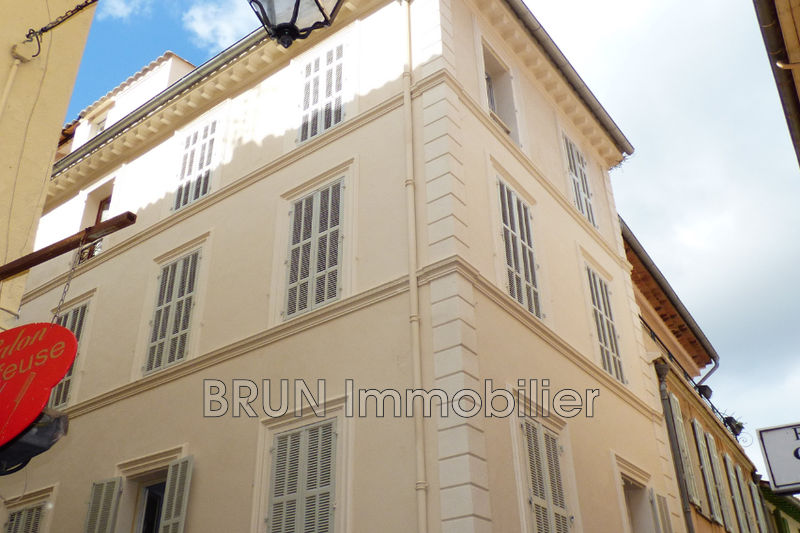 appartement  2 pièces  Antibes Vieil antibes  30 m² -