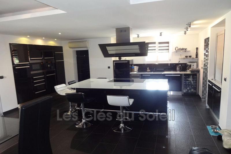 Photo n°2 - Vente maison Garéoult 83136 - 700 000 €