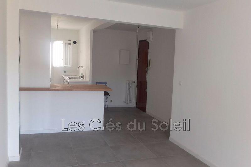Photo n°1 - Vente appartement Hyères 83400 - 243 800 €