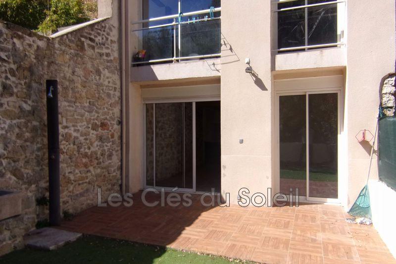 appartement  3 pièces  Flassans-sur-Issole Centre village  63m² -