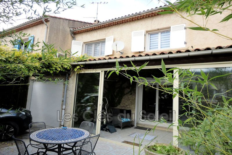 maison  4 pièces  Brignoles   107m² -