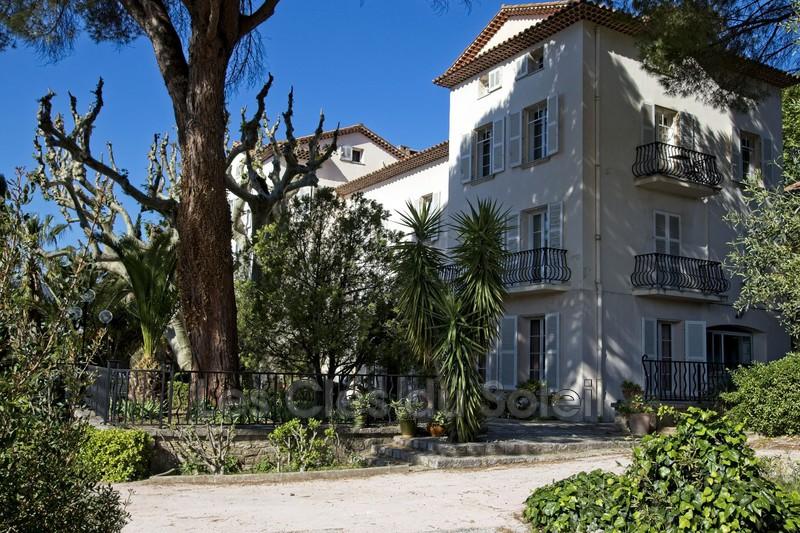 maison  10 pièces  Solliès-Pont   550m² -