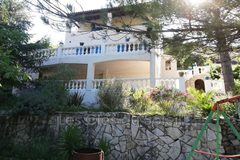 maison  4 pièces  Solliès-Toucas  5 mn du centre   130m² -