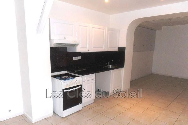 appartement  3 pièces  Pierrefeu-du-Var   53m² -