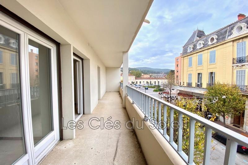 Photo Appartement Hyères Gare,   achat appartement  3 pièces   62m²