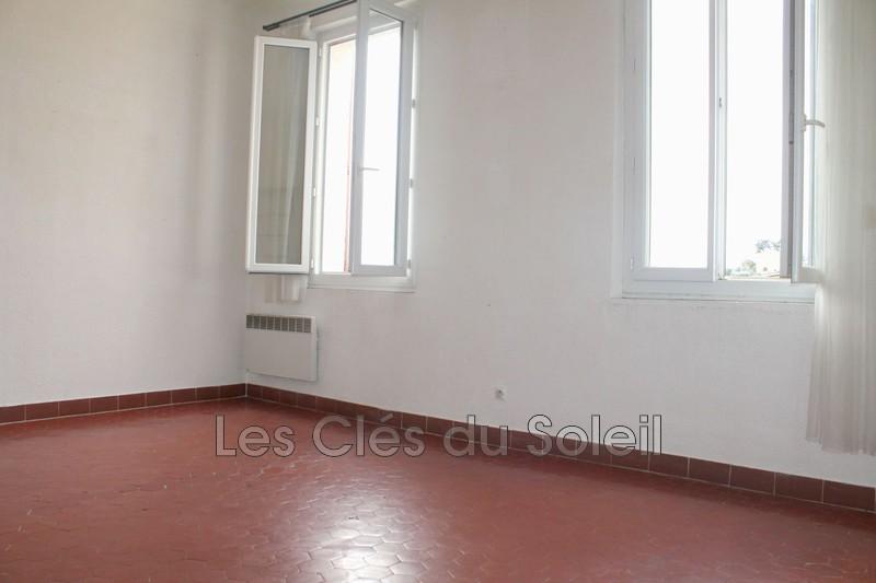 appartement  4 pièces  Ollioules   74m² -