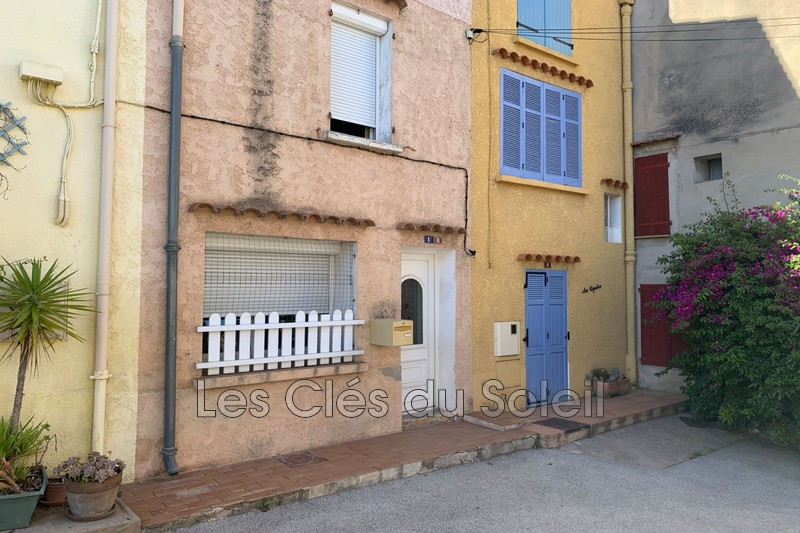 maison  7 pièces  Carnoules   156m² -