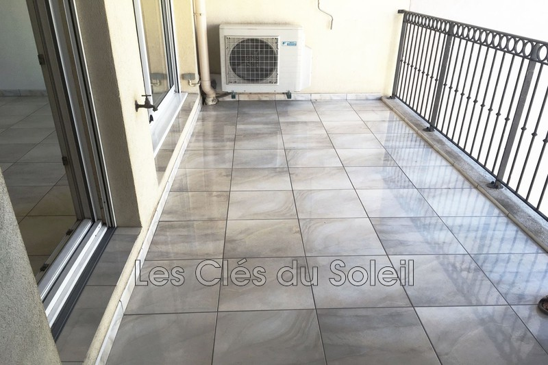 Photo n°1 - Vente appartement Hyères 83400 - 296 000 €
