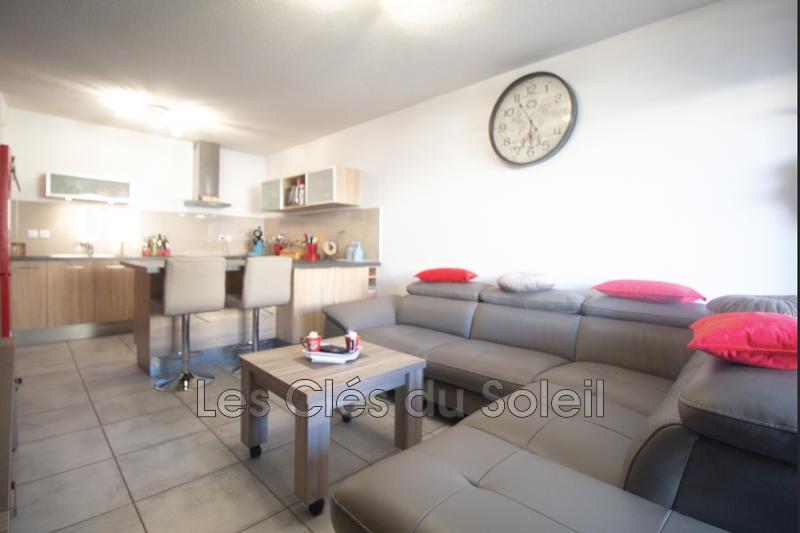 appartement  3 pièces  Cuers 146  70m² -