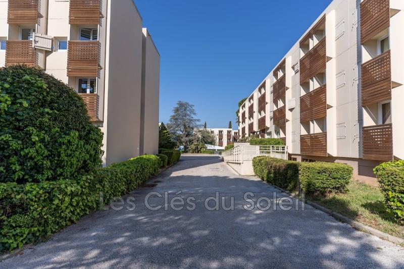 Photo n°2 - Vente appartement La Londe-les-Maures 83250 - 153 000 €