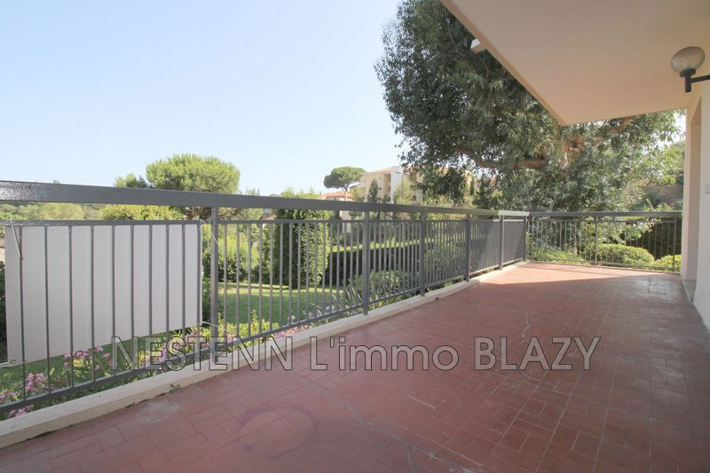 Photo n°1 - Location appartement Cannes 06400 - 925 €