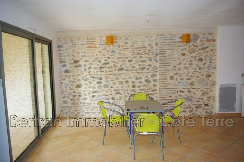 Photo Appartement Claira  Location appartement  3 pièces   63m²