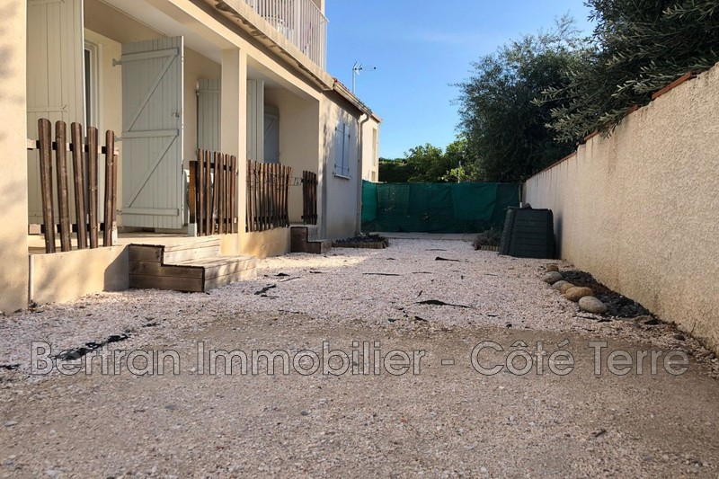 Photo Appartement Espira-de-l'Agly Village,  Location appartement  4 pièces   86 m²