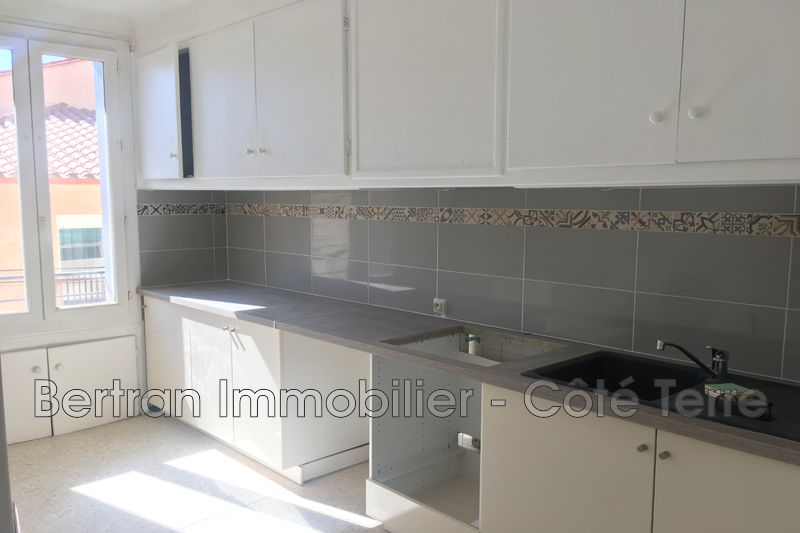 Photo Appartement Rivesaltes  Location appartement  3 pièces   66 m²