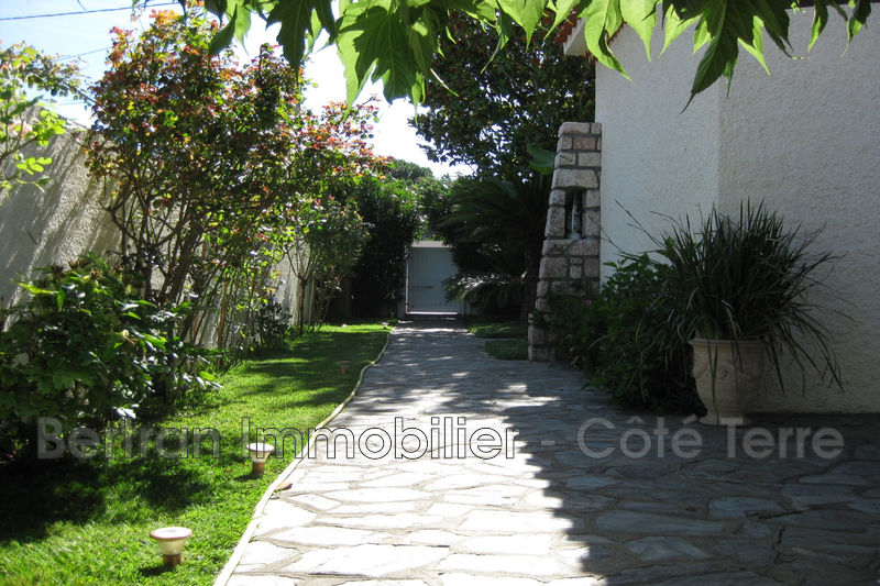 Photo Villa Baho   to buy villa  3 bedrooms   130 m²
