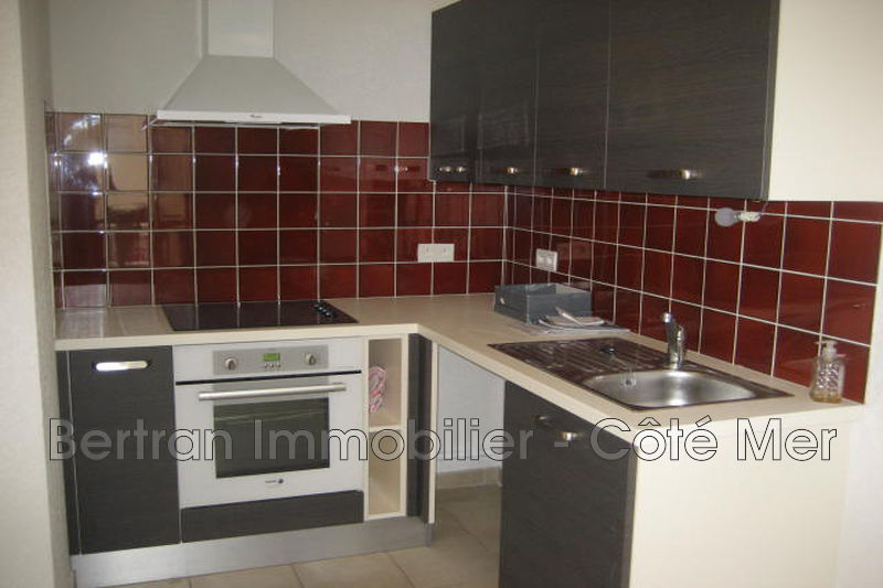 Photo Appartement Leucate Centre-ville,  Location appartement  3 pièces   56 m²