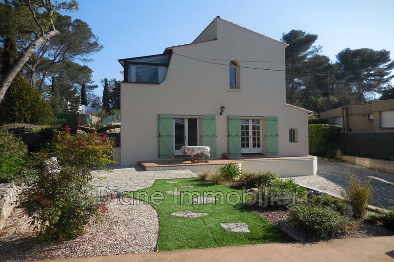 Photo Villa Nîmes   achat villa  3 chambres   135m²