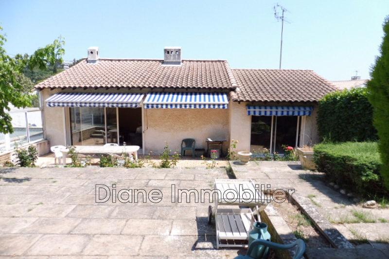 Photo Villa Nîmes   achat villa  5 chambres   147m²