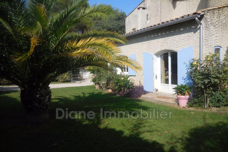 Photo Villa Nîmes   achat villa  4 chambres   207m²