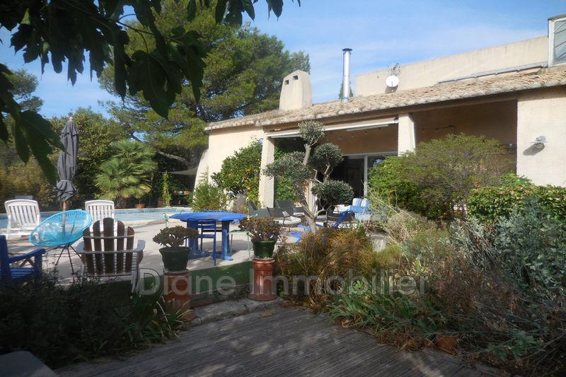 Photo Villa Nîmes   achat villa  4 chambres   205m²